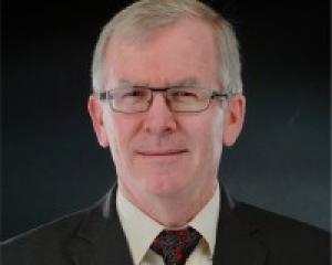 Peter Bogutz Esq.